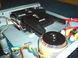 Music hall 25.2 CD player inside 2