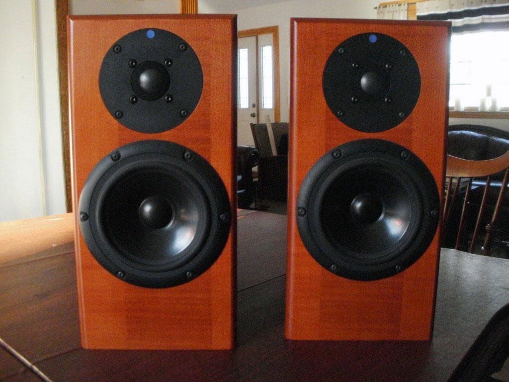Paradigm Monitor 7 v6 Floor Standing Speakers | Hi-Fi