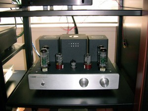 Xindak MT-3 Tube Amplifier front