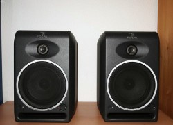 Focal CMS65 Compact Powered Monitor