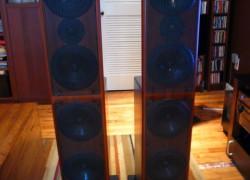 AV123 x-statik Floorstanding Speakers