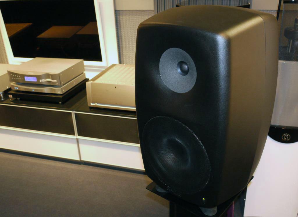 Genelec 8260a Triamplified Active Dsp Loudspeaker Hi Fi
